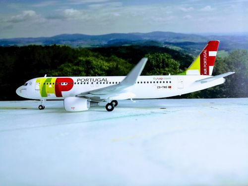 "Herpa Wings 1:200 TAP Portugal Airbus A320 - CS-TNS ""D. Afonso Henriques"" RARE*"