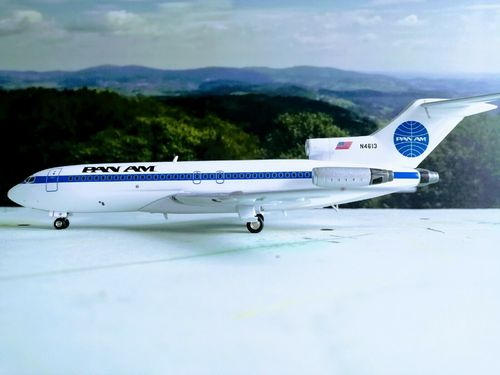 IF721PA1219 - 1/200 PAN AM BOEING 727-100 N4613 WITH STAND