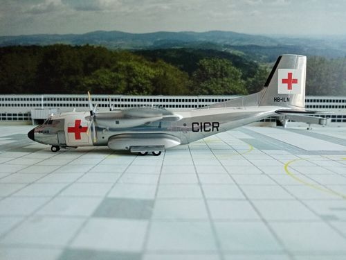Herpa 570701 BALAIR / INTERNATIONAL RED CROSS TRANSALL C-160