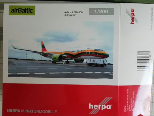 "Herpa Wings 1:200 570770 airBaltic Airbus A220-300 ""Lithuania"" Metallmodell"