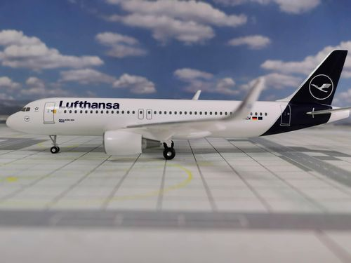 LIMOX 1:200 Airbus A320-200 Lufthansa New Livery, D-AIZW, Wesel Flugzeugmodell